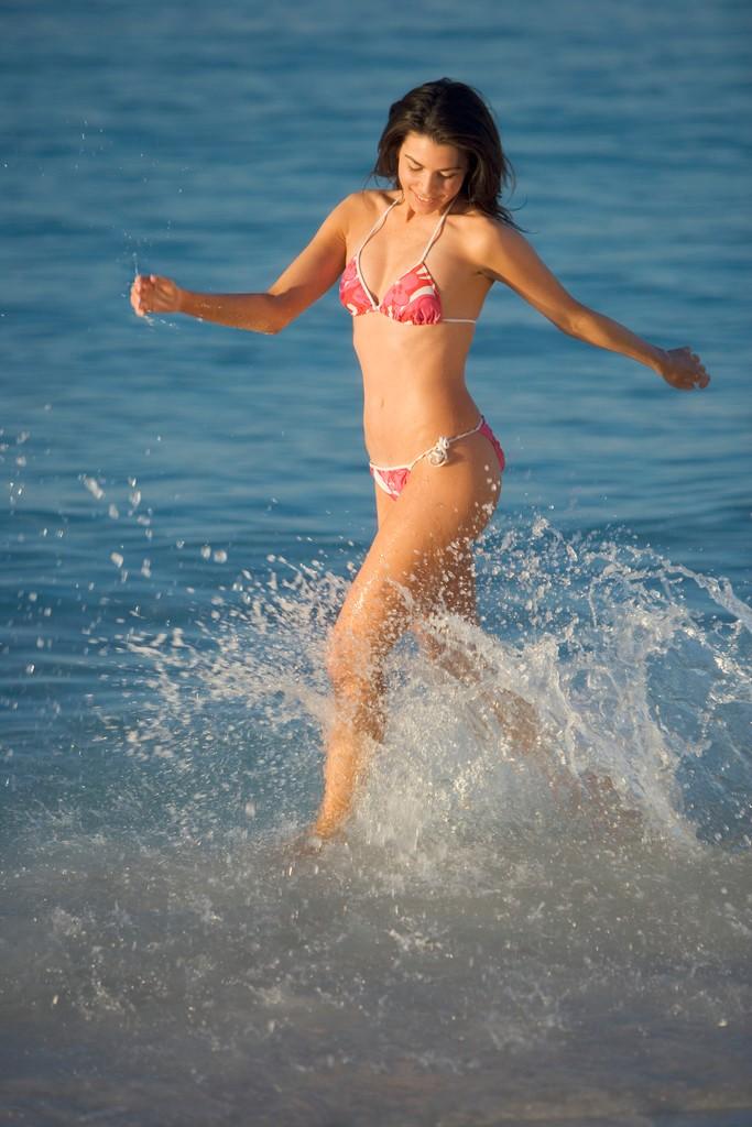 Frau Bikini MS Clipart free