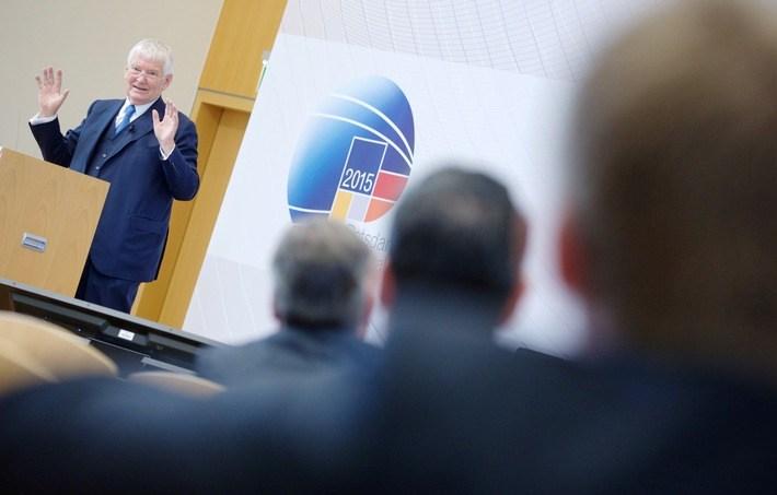 foto hpi (c) otto schily 3 potsdamer konferenz für nationale cybersicherheit