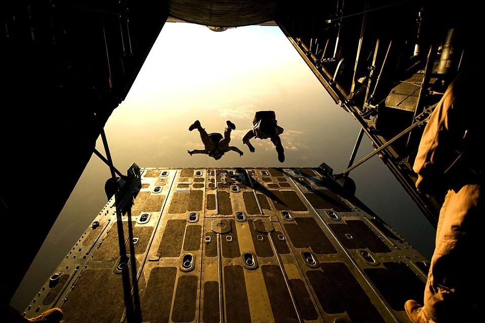 foto cc0 pixabay skeeze sprung gefahr