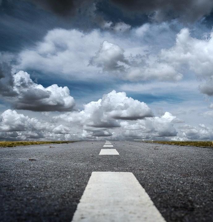 foto cc0 pixabay jarmoluk wolken strasse