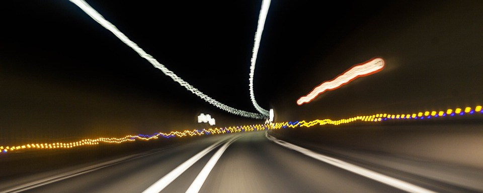 foto cc0 pixabay tookapic tunnel fahren