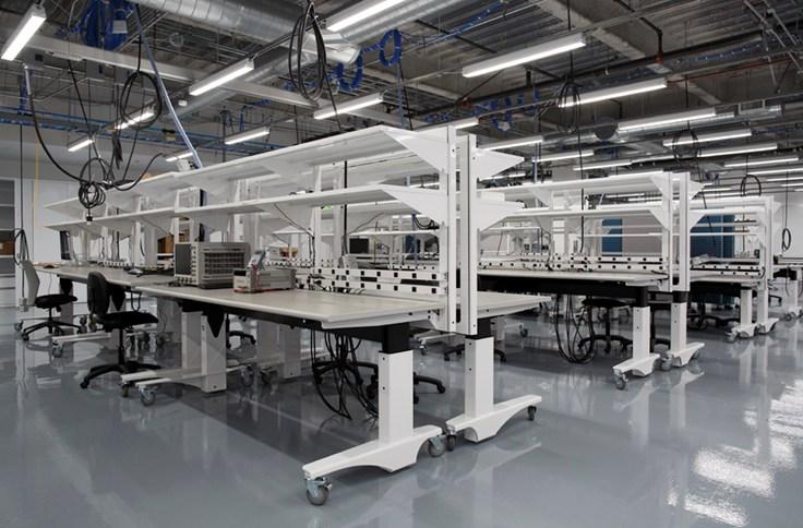 foto facebook hardware labor arbeitsplätze