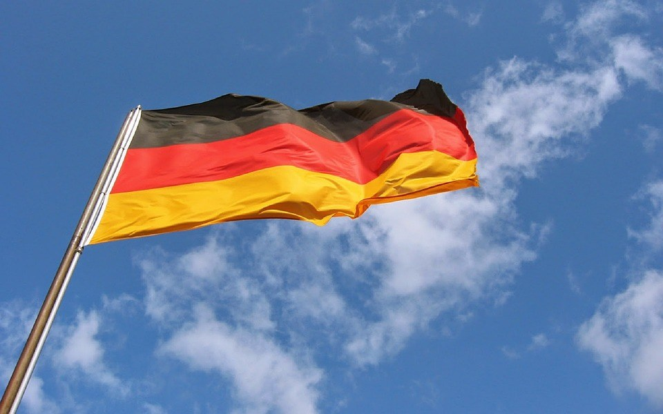 foto-cc0-pixabay-skeeze-wolke-deutsch-fahne