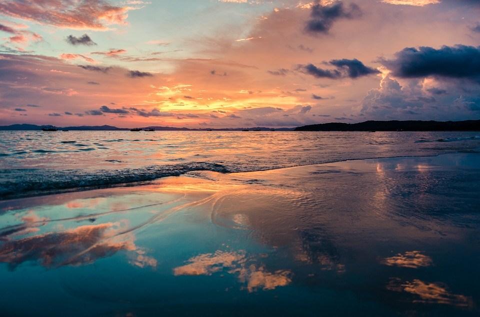 foto-cc0-pixabay-namdung9x-wolken-meer