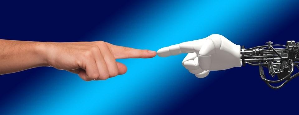 foto cc0 pixabay geralt hand mensch roboter