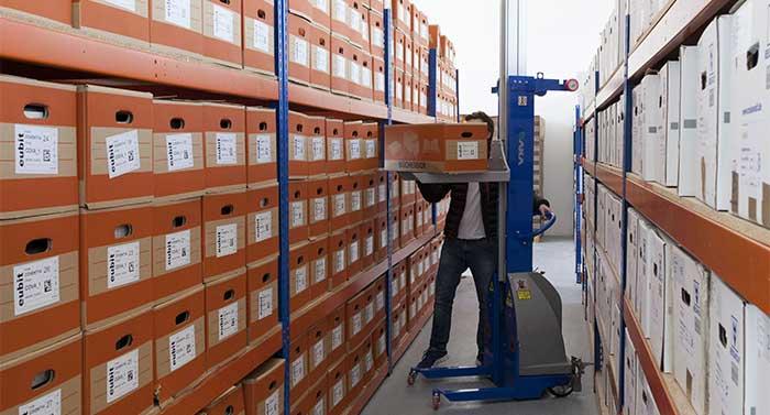 Das Scanning-on-Demand-Angebot von Aconso Services stellt die datenschutzgerechte Lagerung der Akten sicher und jede gewünschte Akte innerhalb kurzer Zeit digital bereit.